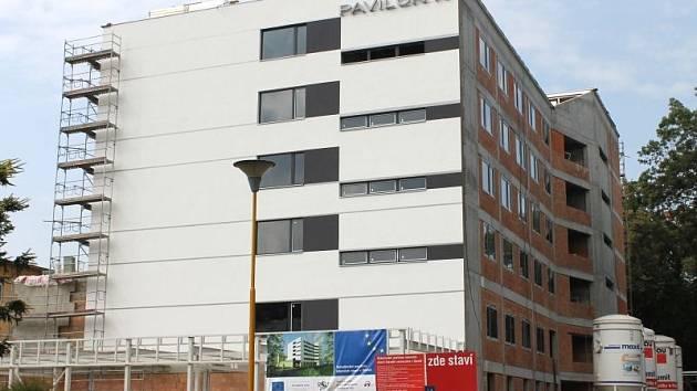 Evropská dotace pomůže s výstavbou a vybavením pavilonu interních oborů N ve Slezské nemocnici a pokryje většinu z rozpočtu celého projektu.