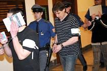 Falešní policisté před soudem.