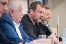 Víkend byl v Opavě ve znamení fotbalových rozhodčích, kteří měli v Kylešovicích seminář.
