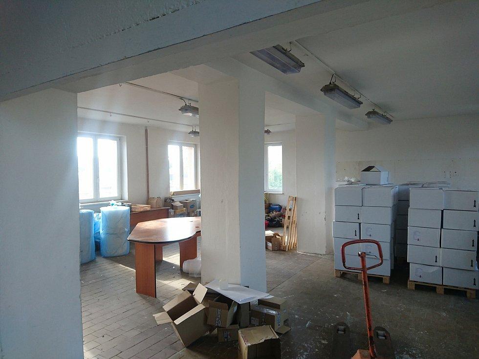 Stěhování modelu do nových prostor v Opavě.