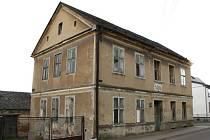 Budova evangelické školy je prázdná už dvacet let.