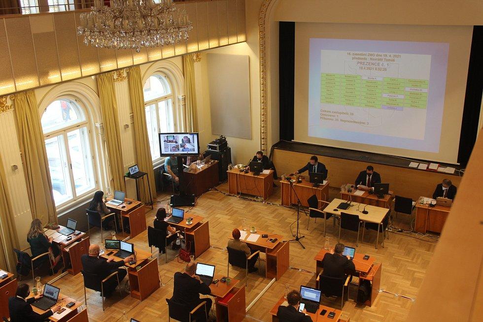 Jednání opavských zastupitelů v pondělí 19. dubna.