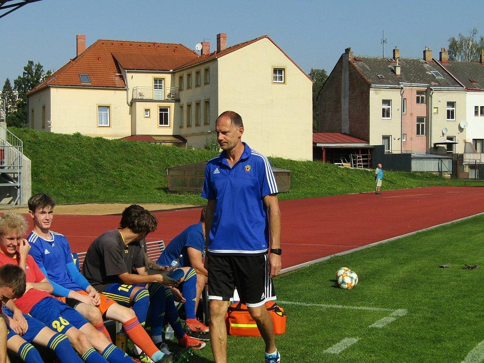 Fotbalisté Dolního Benešova mají první výhru v letošní sezoně. Vezou tři body z Jihlavy. Foto: Petr Krömer
