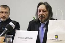 Jaroslav Bernát obdržel titul Gentleman roku za pomoc při dopravní nehodě, ke které došlo na Berounsku.