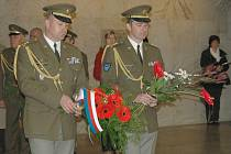 Připomenutí 66. výročí konce druhé světové války a Dne osvobození se v neděli dopoledne uskutečnilo v Památníku druhé světové války v Hrabyni.