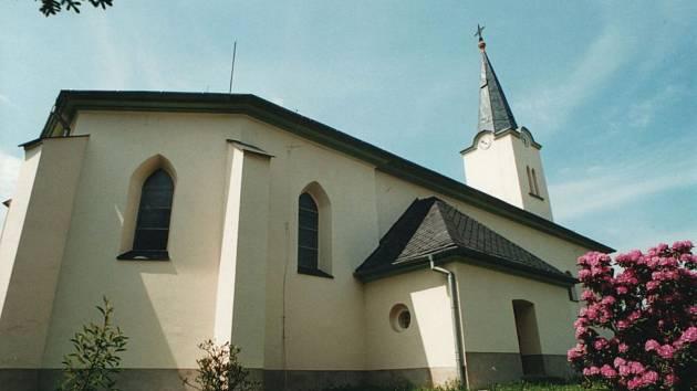 Kostel v Mokrých Lazcích.
