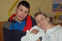 """Agáta Sedlářová se narodila 25. ledna, vážila 2,60 kg a měřila 47 cm. """"Je to naše první miminko, přejeme jí hodně štěstíčka, zdravíčka, úspěchů a ať se jí na světě líbí,"""" řekla maminka Petra Illíková a tatínek David Sedlář z Opavy."""