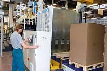 Obsluhovat moderní obalové stroje mohou odborníci s odpovídající kvalifikací.