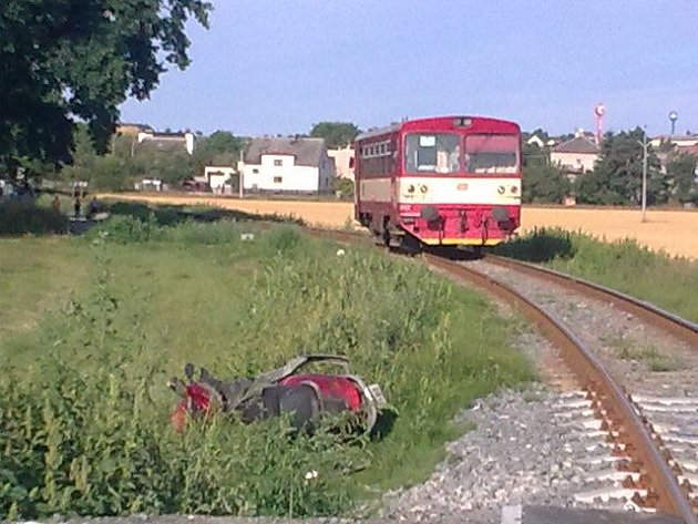 Středeční dopravní nehoda mezi Slavkovem a Oticemi.