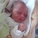 """Viktorie Ondrová se  narodila se 1.března, vážila 3,63 kilogramu a měřila 52 centimetrů.  Maminka s tatínkem vzkazují, že nemohli mít v životě větší štěstí. """"Milujeme tě,"""" řekli rodiče."""