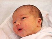 Karolína Bymová se narodila 27. června, vážila 3,68 kilogramů a měřila 51 centimetrů. Rodiče Lenka a Petr z Pusté Polomi jí přejí zdraví a aby měla dlouhý, spokojený život. Na Karolínku už se těší brácha Filip.