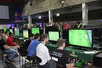 Hráči používali techniku za téměř osm set tisíc korun.