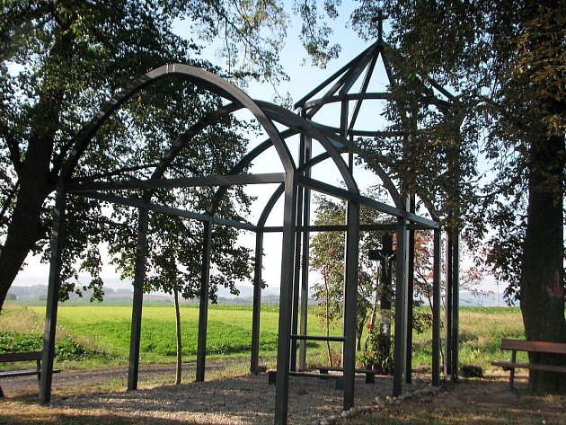 Kaple na Svaté Anně je vyrobena zkovového skeletu.