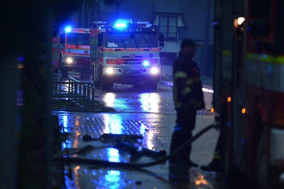 Šilheřovice, povodeň, stav ve čtvrtek 13. května před 19. hodinou večer.