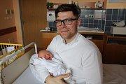 """Vít Blokeš přišel na svět 28. března, vážil 2,94 kilogramu a měřil 50 centimetrů. """"Je to naše první miminko. Přejeme mu štěstí, zdraví a spoustu úspěchů,"""" zmínili Monika a Adam Blokešovi z Kobeřic."""