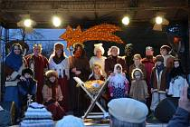Součástí programu vánočního jarmarku bude i řada zajímavých vystoupení na venkovním pódiu.
