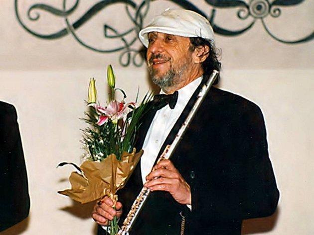 Jiří Stivín společně s varhaníkem Václavem Uhlířem bude dnes 3. května úvodním koncertem zahajovat Mezinárodní varhanní festival barokní hudby.