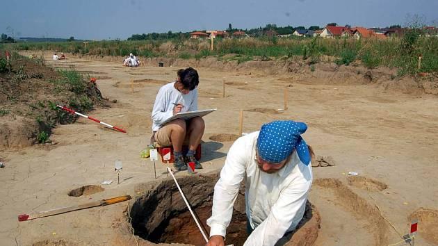 Pec z mladší doby římské. Patří mezi největší nálezy archeologů provádějících výzkum v Opavě–Kylešovicích.