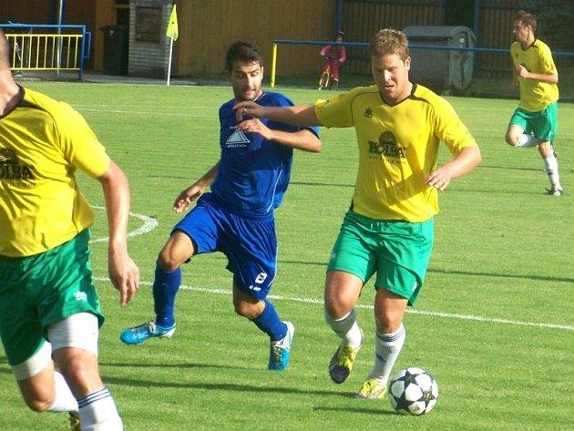 Michal Schreier (u míče)