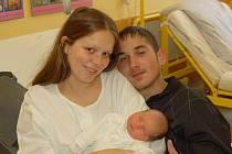 """Natálie Čeperová se narodila 8. listopadu, vážila 3,15 kg a měřila 50 cm. """"Je to naše první miminko, přejeme jí hodně zdraví a štěstí,"""" popřála miminku maminka Lenka Čeperová z Opavy."""