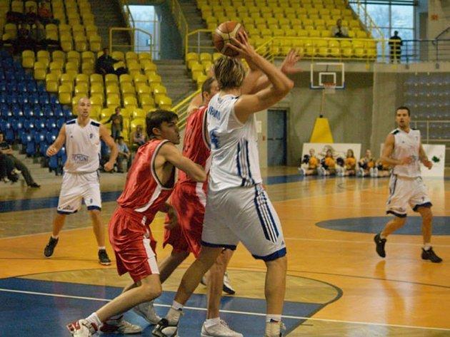Opavští basketbalisté jsou po dvou výhrách kousek od finále.
