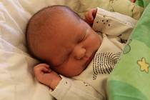 Jakub Jaroš se narodil 6. prosince 2019, vážil 3,23 kilogramu a měřil 48 centimetrů. Rodiče Hana a Tomáš z Opavy-Kylešovic přejí svému synovi do života hlavně zdraví a štěstí. Na Jakuba už doma čeká bratr Matěj.