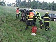 Dvě jednotky hasičů musely v sobotu brzy ráno vyjet na kopec spojující Horní Lhotu a Kyjovice.