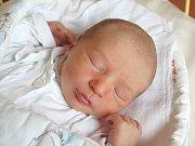 Teodor Richtr se narodil 4. července, vážil 3,62 kilogramů a měřil 49 centimetrů. Rodiče Monika a Lukáš z Opavy mu přejí aby byl v životě především zdravý. Na Teodora se už doma těší brácha Viktor.
