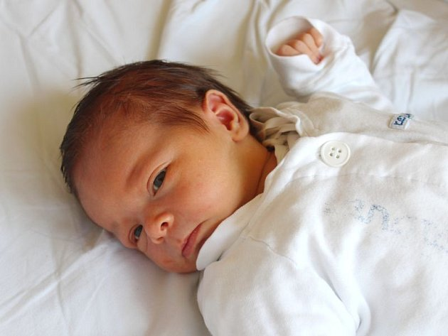 Gabriela Dovrtělová se narodila 4. září, vážila 3,66 kilogramů a měřila 51 centimetrů. Rodiče Nikola a Lukáš z Budišova nad Budišovkou jí do života přejí hlavně zdraví. Na Gabrielu už doma čeká dvouletý bráška Lukášek.