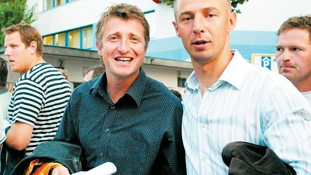 Michal Horňák (vlevo) působí ve Spartě jako asistent trenéra s další legendou klubu Petrem Koubou.