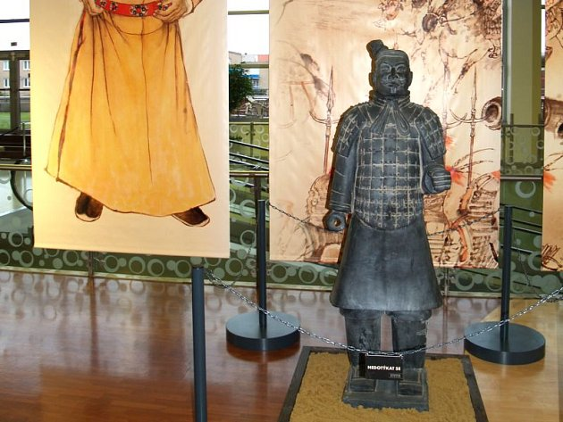 Sochy bojovníků terakotové armády císaře Čchin Š'-chuang-ti jsou výjimečné nejen dokonalou propracovaností a historickým významem, ale také tím, že se ani jedna z mnoha tisíců neopakuje a je originální.