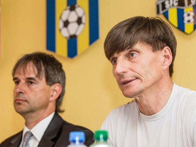 Úterní tisková konference před zahájením podzimní části II. fotbalové ligy.