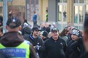 Policisté museli řešit výtržnosti před stadionem během zápasu Opavy s Baníkem.