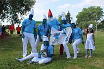 Osmý ročník Strassenfestu v Rozsocháči měl nabitý program. Pro návštěvníky bylo připraveno letní kino, ukázka manévrů napoleonských vojáků a tradiční Hry bez hranic.