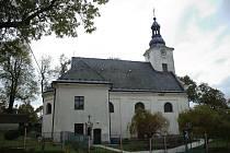 Barokní kostel sv. Filipa a Jakuba v Moravici.
