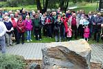 Odhalení památníku věnovaného vodákům v areálu Loděnice v Děhylově.