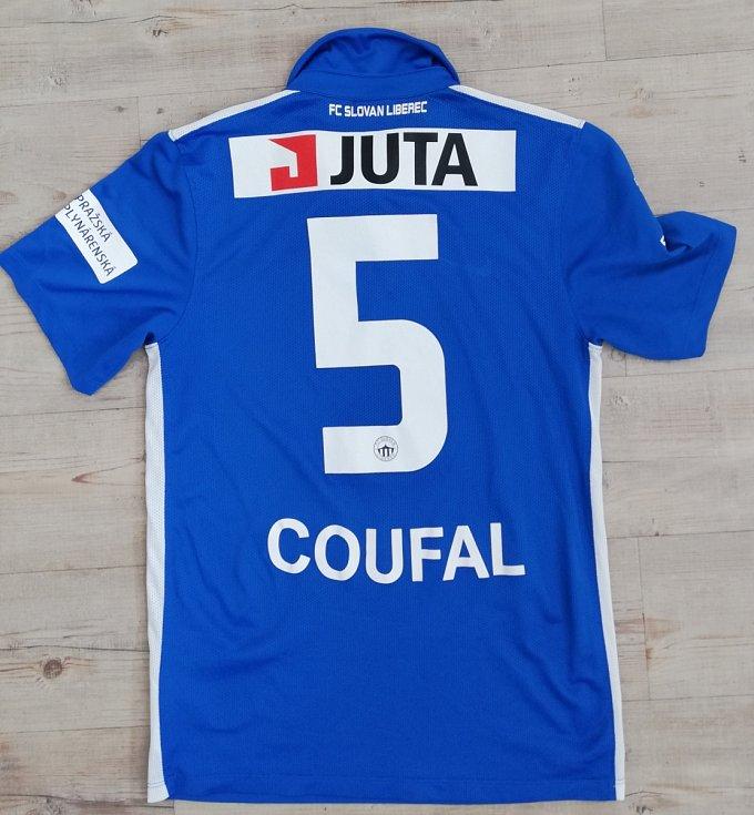 Vladimír Coufal - podepsaný dres Slovan Liberec.