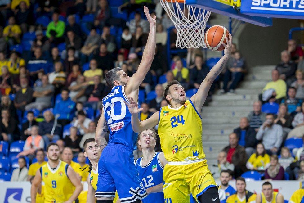 BK Opava - USK Praha, 6. kolo basketbalové Kooperativa NBL, 30. října 2019.