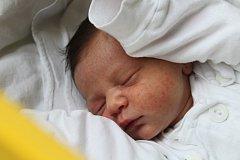 Evelína Hájková se narodila 5. prosince 2018, vážila 3,42 kilogramu a měřila 50 centimetrů. Rodiče  Jarmila a Jiří z Opavy jí přejí zdraví, štěstí a úspěchy v životě. Na Evelínku už doma čeká sestřička Madgalénka.
