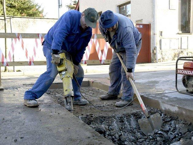 Úbytek financí. Z toho mají obavy někteří starostové obcí na Opavsku v případě konání olympijských her v České republice.
