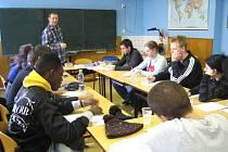 Francouzští studenti v Opavě pracují i studují.