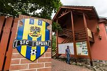 Opavští fotbalisté mají za sebou první den soustředění. Ubytováni jsou ve Švamlově mlýně, tréninky pak absolvují v nedalekých Jakubčovicích nad Odrou, kde trénují na spodním hřišti.