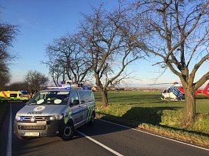 Záchranáři zasahovali ve středu 13. prosince odpoledne u smrtelné dopravní nehody na silnici mezi Chuchelnou a Strahovicemi.