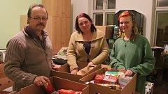 Lubomír Stoklasa se svými kolegyněmi v opavském sídle neziskovky Ekipa v Kylešovské ulici.