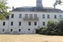 Stěbořický zámek vznikl přestavbou hospodářské budovy někdy v 17. století. Po válce byl zabaven. Stát v něm následně zřídil internát středního zemědělského učiliště. V devadesátých letech jej Moravskoslezský kraj převedl zpět na obec.