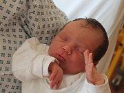 Valentýna Peterková se narodila 23. srpna, vážila 3,98 kilogramů a měřila 51 centimetrů. Rodiče Petra a Martin z Kravař jí do života přejí zdraví, štěstí a lásku. Na Valentýnku už doma čekají sourozenci Martin a Kristýna.