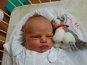 """Daniel Mac se narodil 21. září, vážil 3,97 kg a měřil 51 cm. """"Doma už se na miminko moc těší pětiletý bráška Ondřej. Miminku přejeme hodně zdraví, štěstí a spoustu hodných lidí kolem sebe,"""" uvedla maminka Kateřina a tatínek Dušan Macovi z Kravař."""