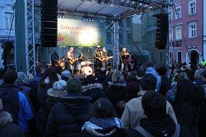 Koncert Mňágy a Žďorp na Dolním náměstí v Opavě se povedl na jedničku.