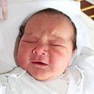 Victoria Emilie Tomíčková se narodila 13. prosince, vážila 3,59 kilogramu a měřila 50 centimetrů. Doma už čeká na miminko sestřička Emily a bráška Marek. Rodiče Klára a David ze Štěpánkovic jí přejí štěstí, zdraví a lásku.