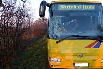 Jednapadesátiletého polského cyklistu musel v pondělí odpoledne transportovat vrtulník na urgentní příjem ostravské fakultní nemocnice poté, co došlo ke střetu muže na kole a autobusu.